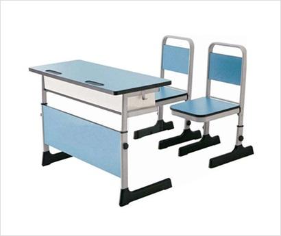 大型课桌椅厂家 口碑好的课桌椅供应商——德润教育用品