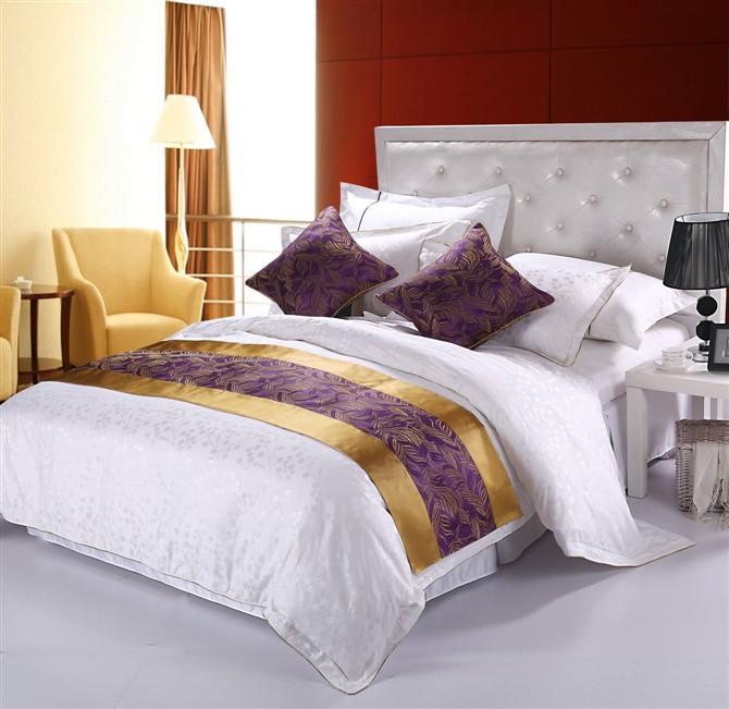 宾馆床尾巾定做_时代荣江纺织提供质量硬的酒店床尾巾产品