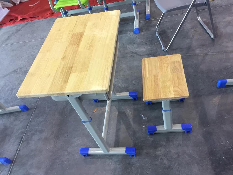 学生课桌椅哪里有卖,销量好的学校课桌椅供应