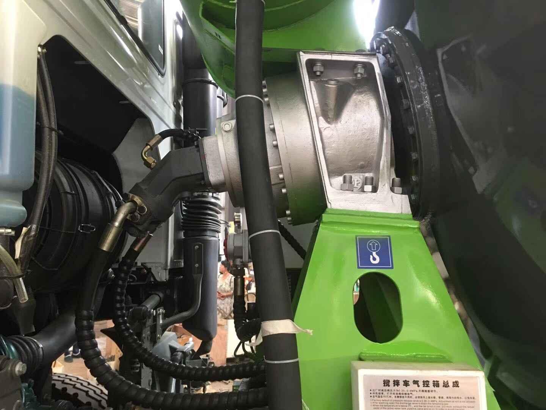 直销重汽豪沃15方搅拌车 湖北品牌好的重汽380马力豪沃15方搅拌车供应