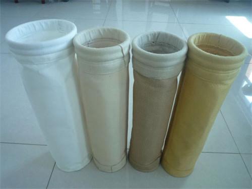 山东拒水防油涤纶针刺毡除尘布袋 诺恒环保性价比高的除尘布袋出售