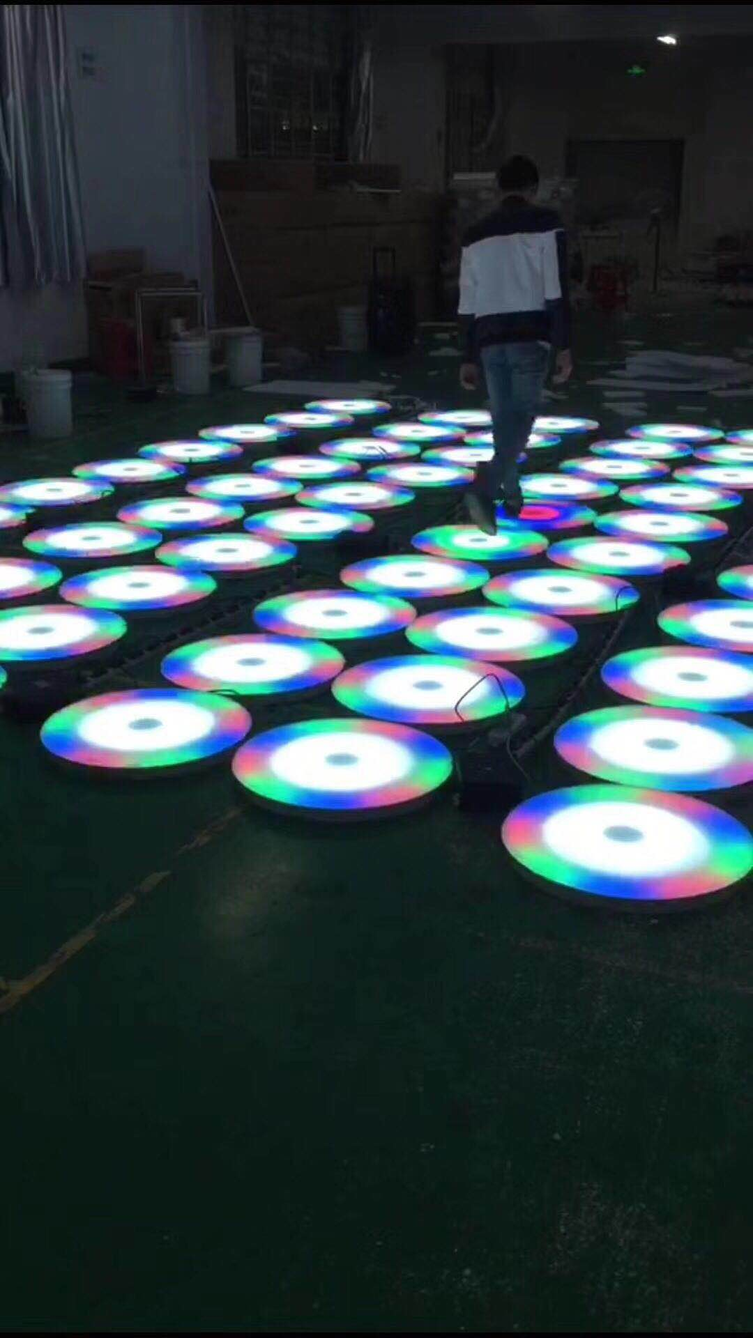 LED彩虹跑地砖灯