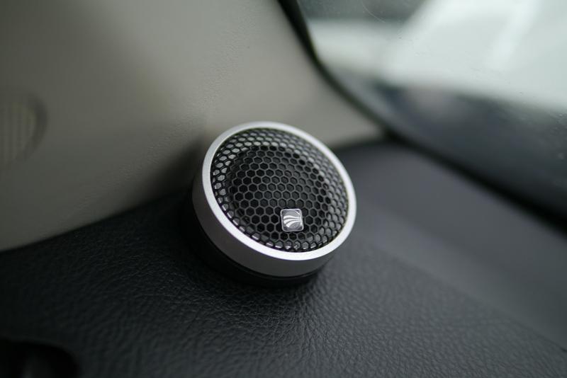 陆风X8改装德国彩虹音响系统全面升级——青岛车之友汽车音响