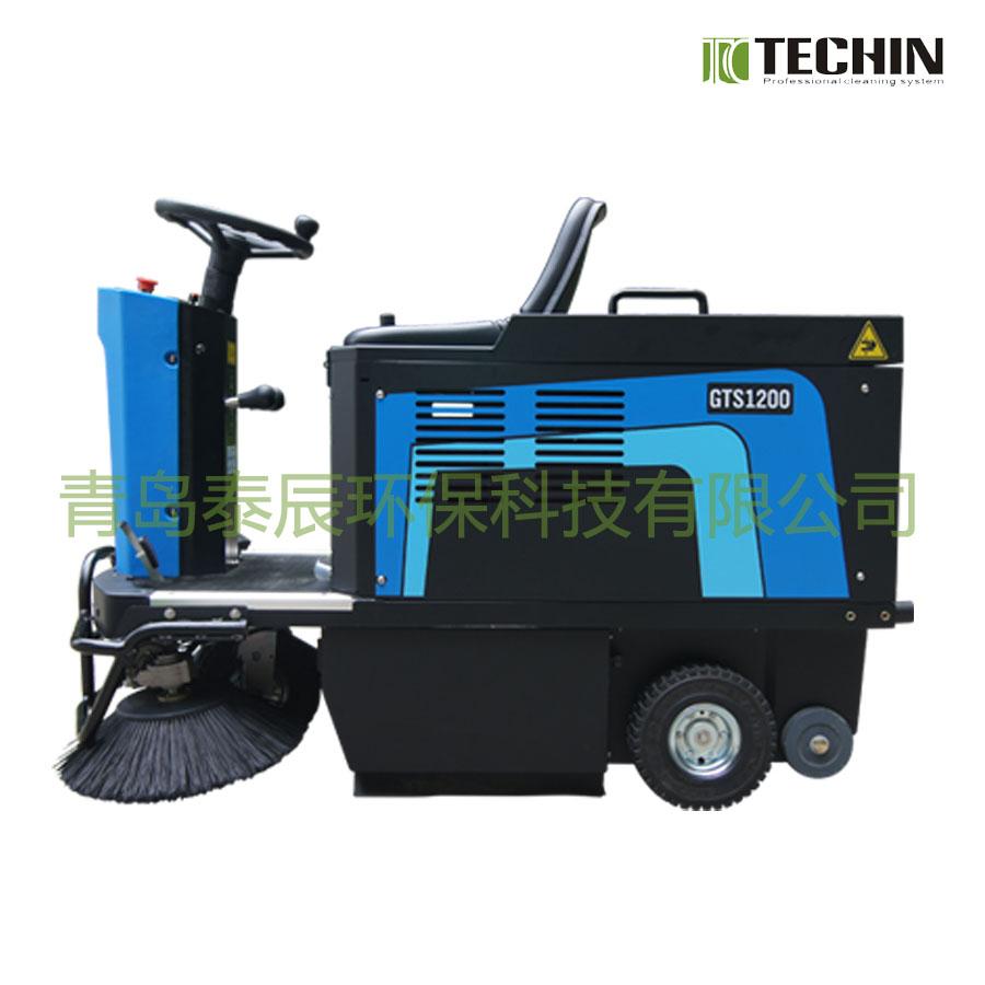 成都驾驶式扫地机供应商 供应山东热销驾驶式扫地机