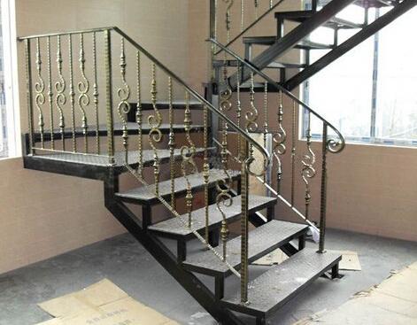 城关铁艺楼梯-销量好的铁艺楼梯火热供应中