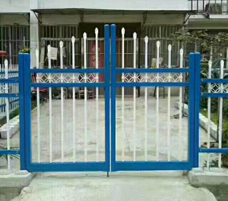大量工程锌钢护栏 工程锌钢百叶窗—沈阳飞马护栏