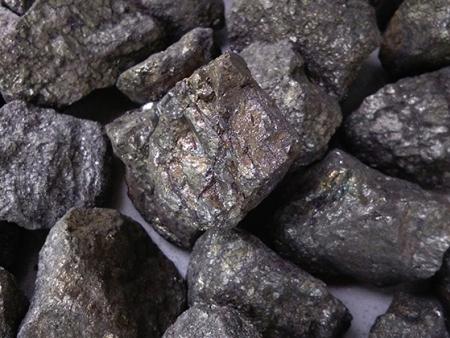 硫铁厂-隆百特工贸为您供应新品硫铁钢材