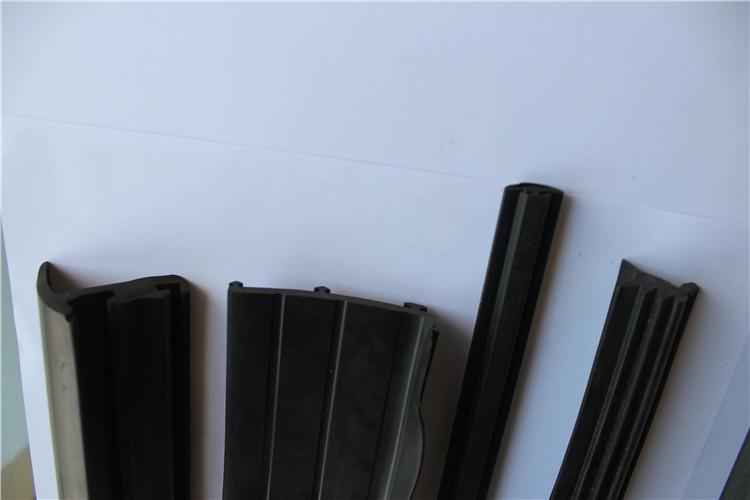 密封条天航五金橡塑专业供应——门窗密封条有限公司