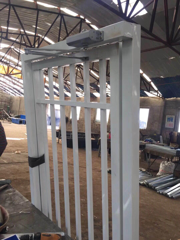 辽宁锌钢制品厂家直销锌钢护栏工程百叶窗楼梯扶手