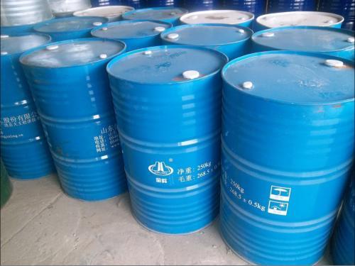 各种包装的二氯甲烷