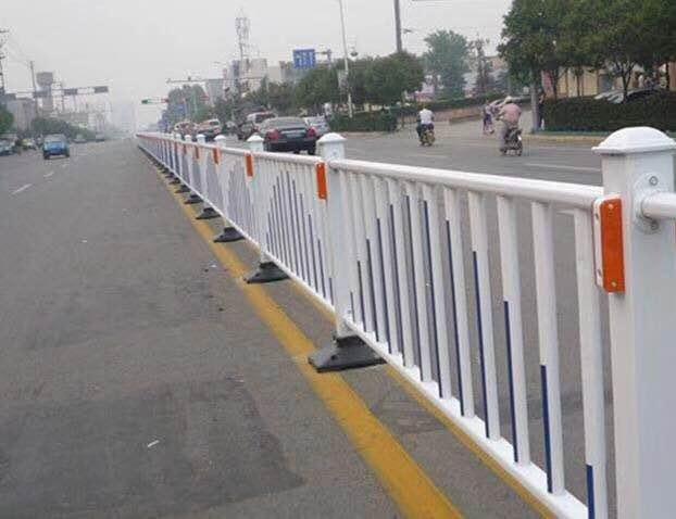 道路交通防护栏锌钢护栏厂家直销