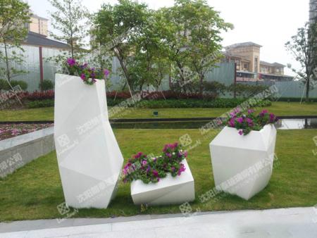 玻璃鋼花盆哪里有供應|本溪玻璃鋼垃圾桶定制