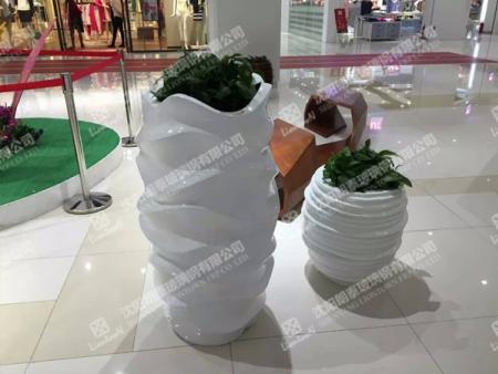 沈陽朗泰玻璃鋼專業供應玻璃鋼花盆-遼陽玻璃鋼垃圾桶定制