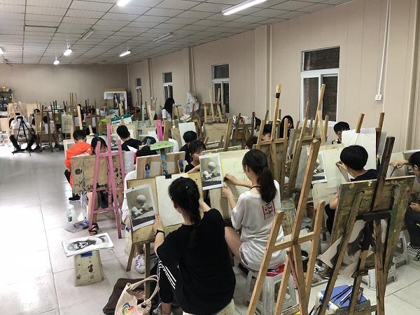 初升高美术培训机构_郑州资深的是哪家-初升高美术培训机构
