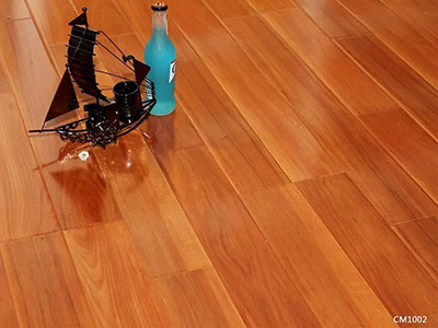 大量出售優惠的強化地板,價位合理的強化地板