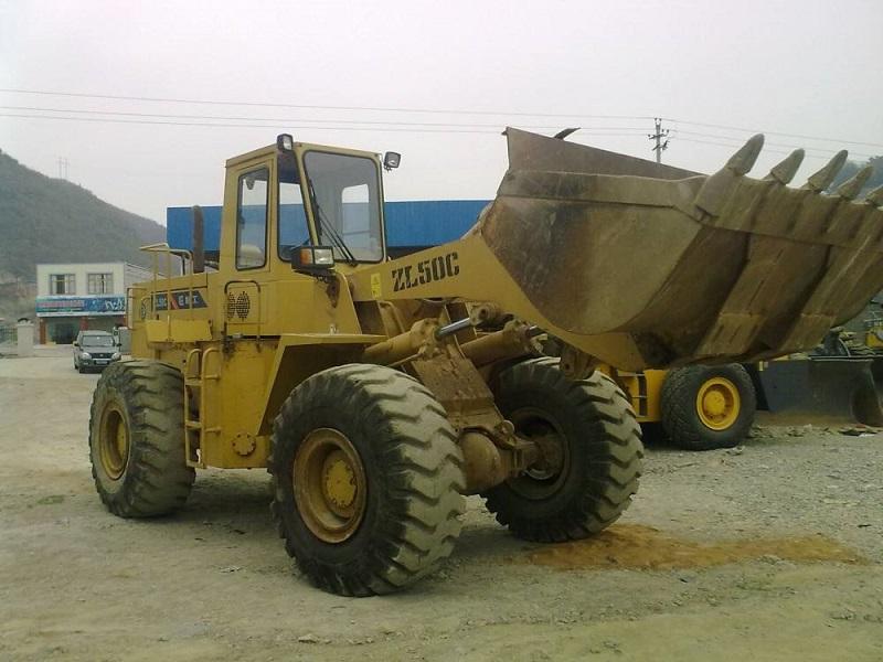 铲车租赁价格-要找可靠的铲车出租就选修武县恒力吊装