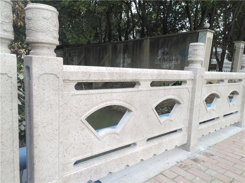 仿石欄桿生產廠家-黃岡哪有供應優惠的仿石欄桿