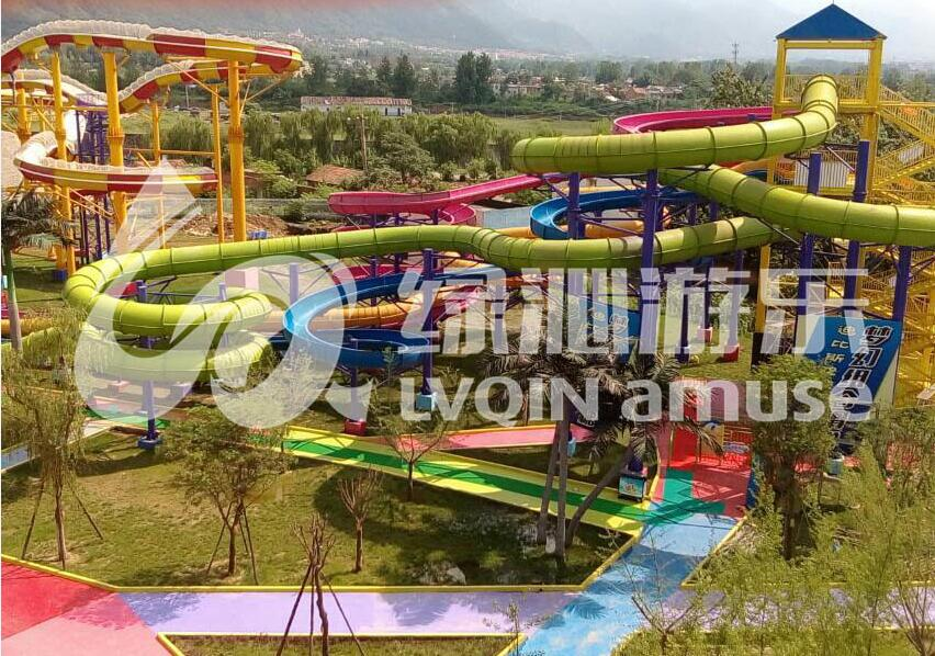 新式的水上游乐设备-广州水上游乐设备供应商