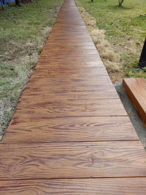 巴南仿木地板|知名的仿木地板公司
