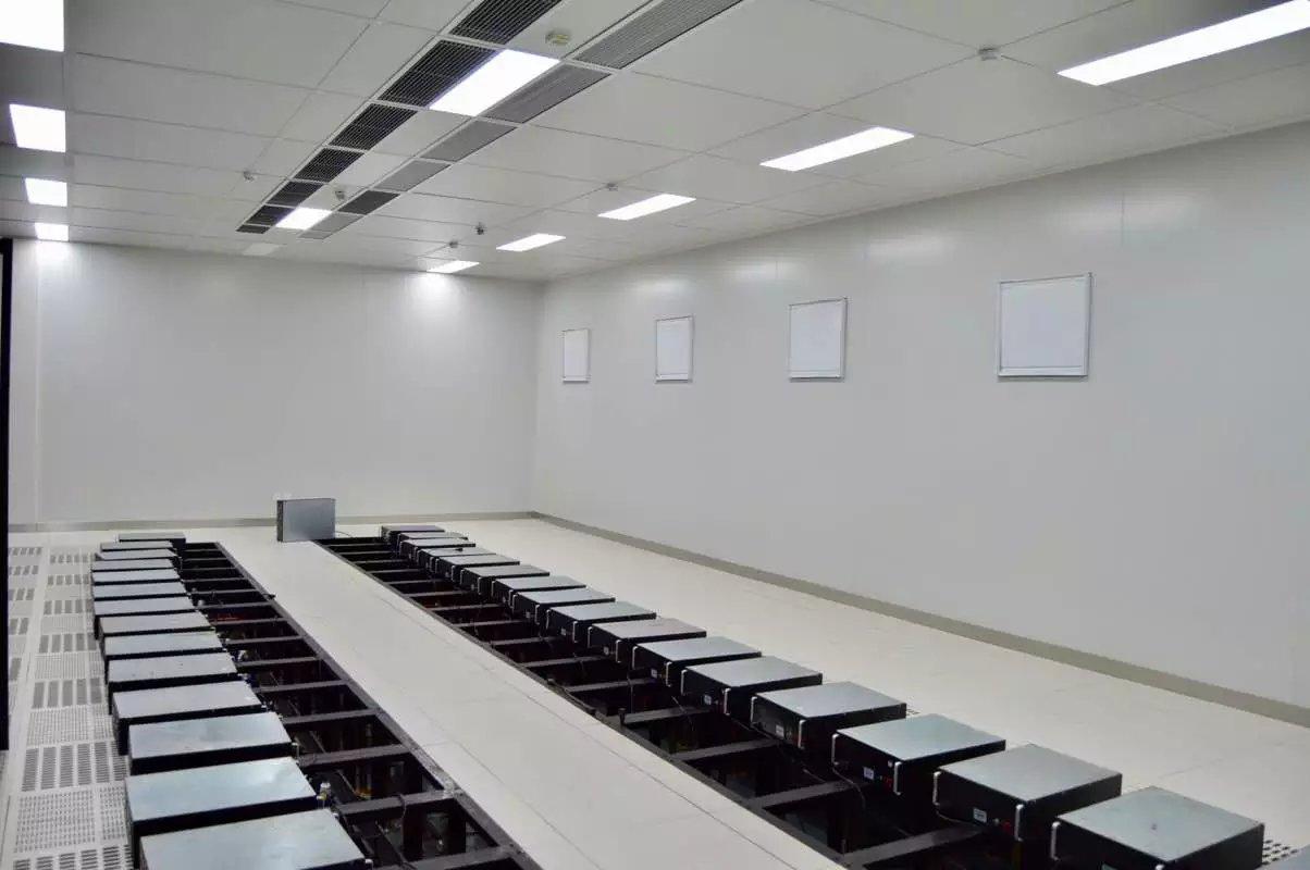 南寧市興鐵庫新型建材提供的廣西彩鋼板好不好——南寧輕質隔墻板