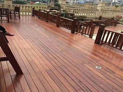 三门峡防腐木地板厂家-购买防腐木地板优选梓浩木业