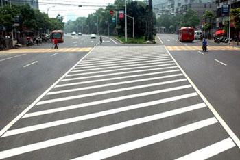 平方交通设施为您提供专业的厂房划线服务  |厂家推荐深圳道路交通划线
