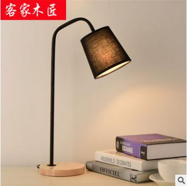 卧室床头北欧实木布艺台灯批发 创意简约现代客厅书房欧式台灯