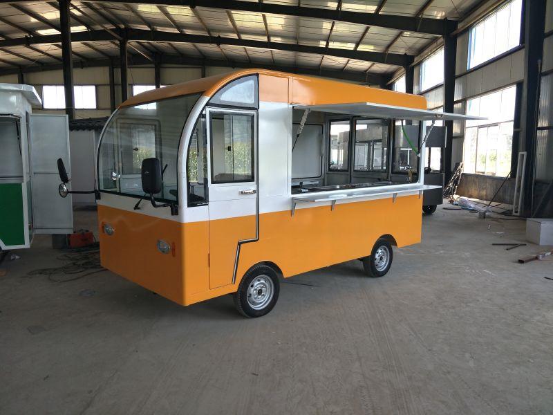 供应山东超值的电动小吃餐车-流动小餐车