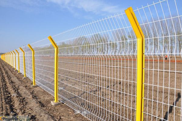 桃型柱护栏网供货厂家——河北信誉好的桃型柱 护栏网厂商