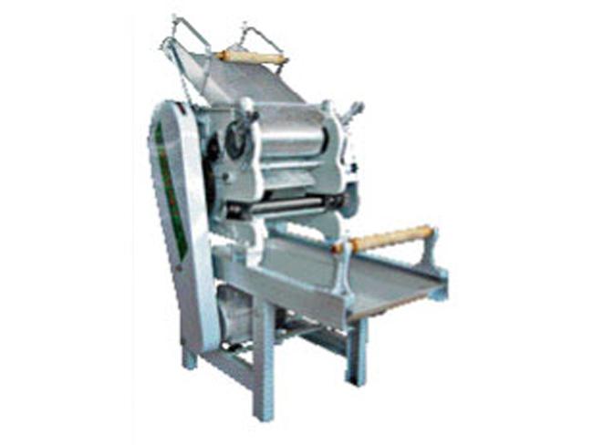 北京瑞隆意达专业提供厨房设备 榨汁机