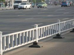 实惠的惠州道路护栏当选长鸿艺钢-惠阳锌钢道路护栏报价