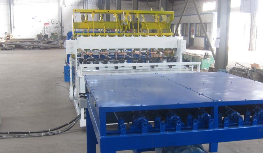 傾銷煤礦支護網焊網機-衡水價位合理的全自動六角網機哪里買