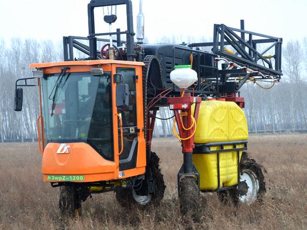 喷药机供应商_隆顺农业机械打药喷药设备厂家
