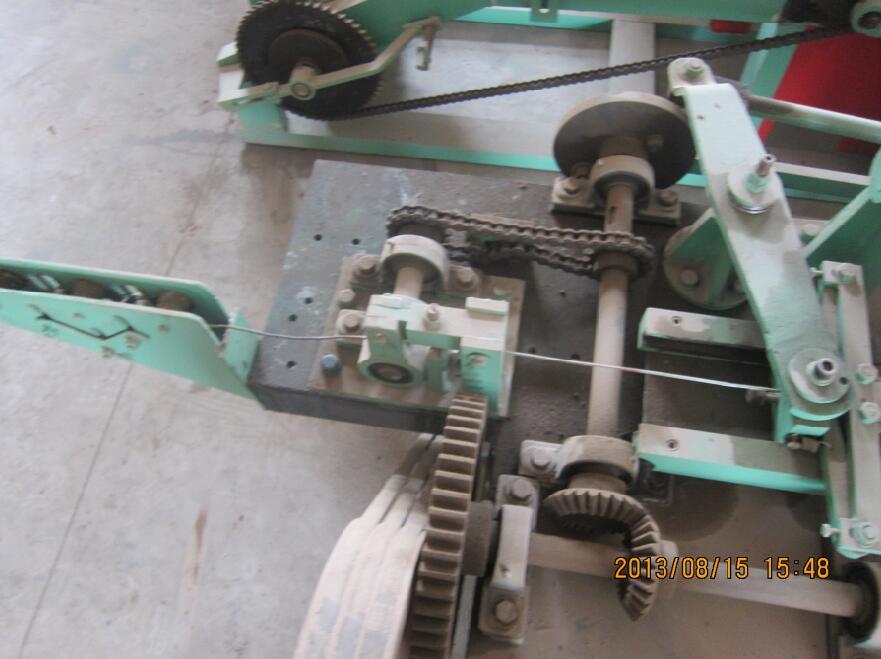 中國普通雙股刺繩機防護用刺網機安平恒泰機械-高性價單股刺繩機供銷
