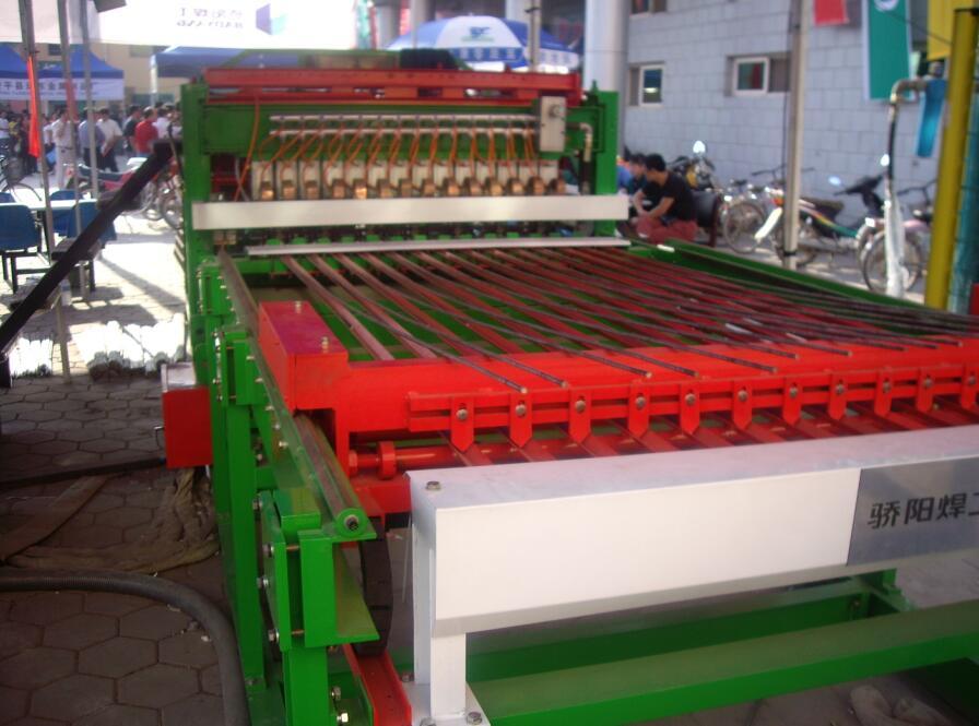 高質量的雞籠焊網機-河北報價合理的恒泰全自動養殖網排焊機