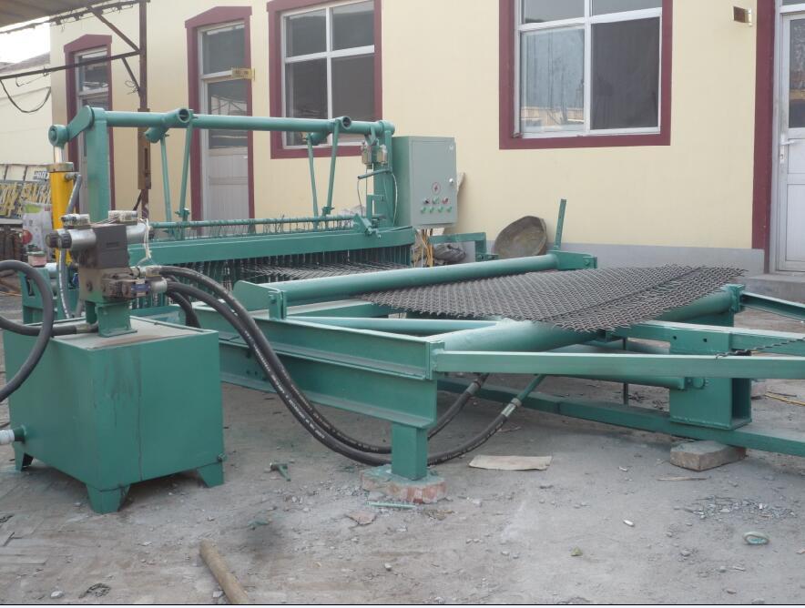 石油化工建筑機械專用設備-物超所值的河北恒泰機械鐵絲軋花網編織機恒泰絲網機械供應