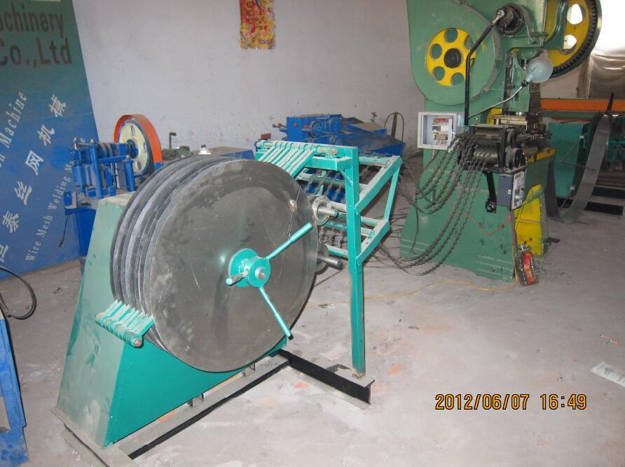 中國安平縣恒泰專業生產九條刀片刺繩機-衡水好用的九條刀片刺繩機批售