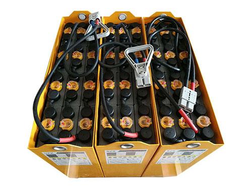 叉车电池保养