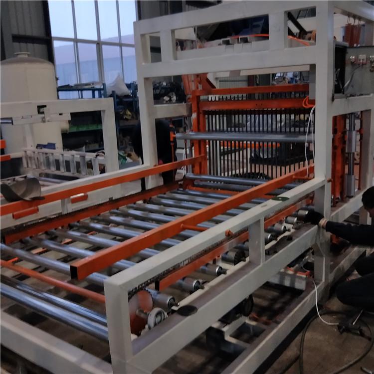 水泥基匀质板切割锯水泥基匀质板设备水泥基轻匀质板生产线