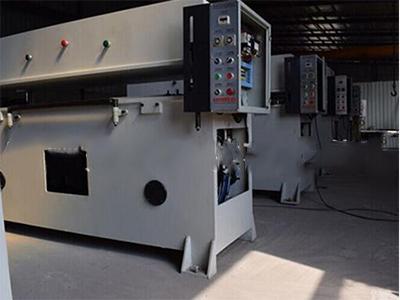 下料机价格-泰州未来机械供应值得信赖的精密液压四柱裁断机