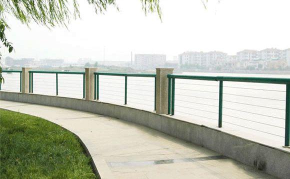 桥梁护栏立柱