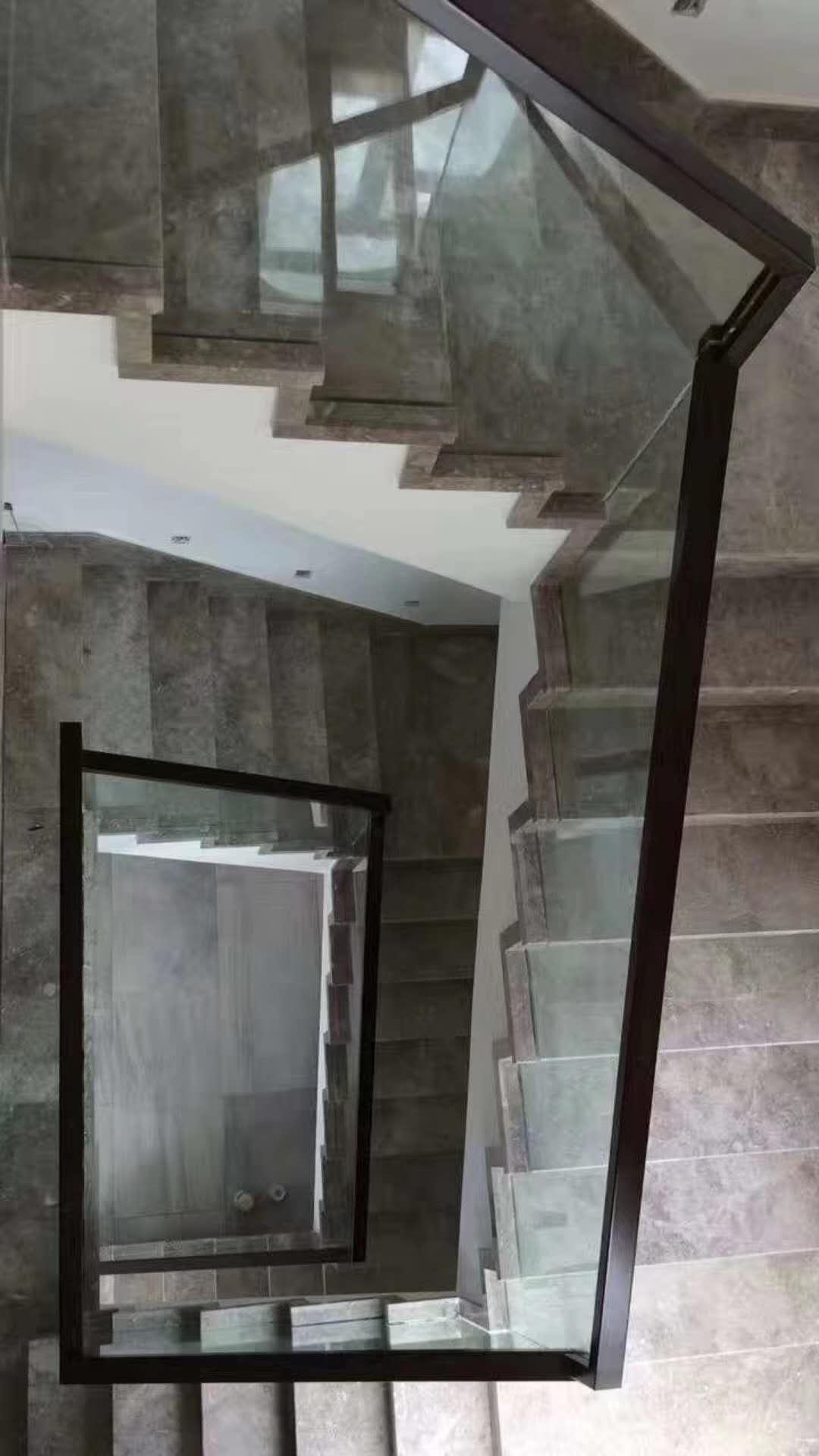 鞍山玻璃楼梯-辽宁质量好的楼梯供销
