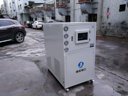 風冷式冷水機-供應制冷效果好的水冷式冷水機