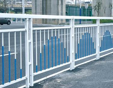 廣西市政護欄廠家,南寧華軒裝飾提供好用的市政道路護欄