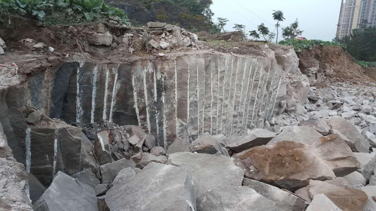岩石膨胀剂直销厂家哪里找 格尔木高效无声破碎膨胀剂