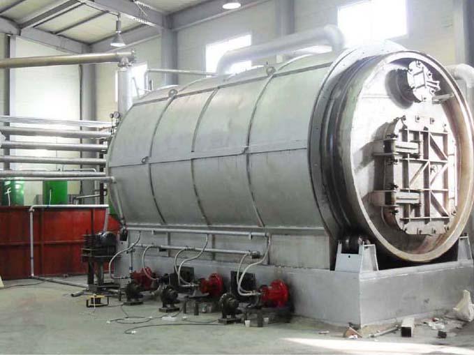商丘亿龙***生产环保型废塑料炼油设备