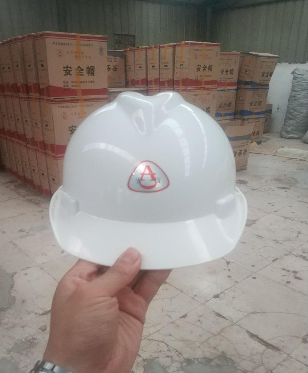 三门峡施工安全帽厂家 好看的施工安全帽【供售】