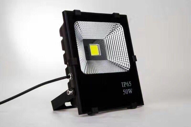 南宁LED灯具|南宁广西LED投光灯专业提供商