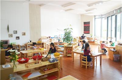 厦门早教-哪里有资深的蒙特梭利教育机构