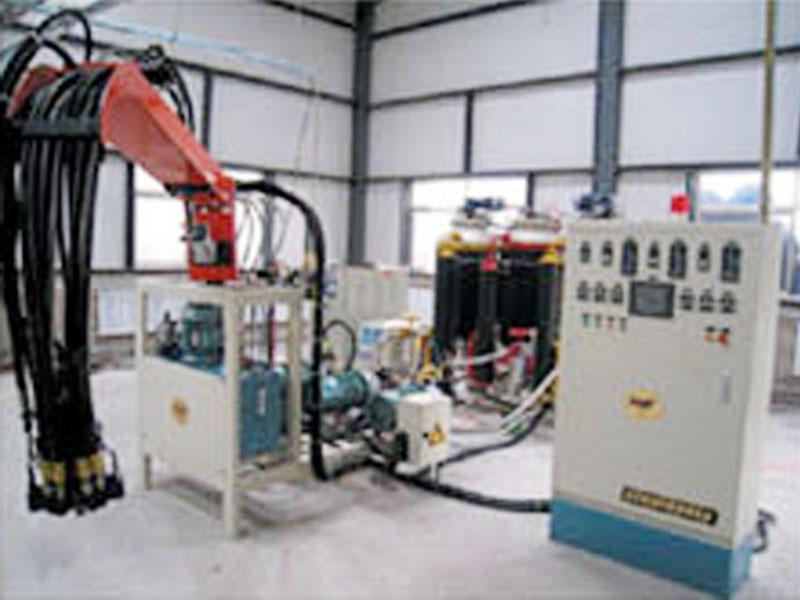 哪里有卖好的聚氨酯发泡机设备-代理发泡机生产厂家